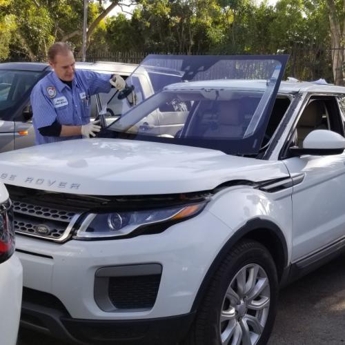 Replacing windshield at Land Rover Encino